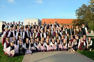 Plungės-kultūros-centro-vaikų-ir-jaunimo-liaudiškų-šokių-ansamblis-Žirginėliai