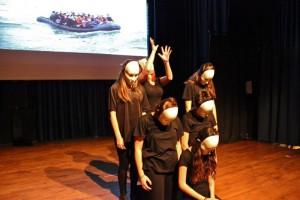 "Teatro ""Scuola teatro la basa"" (Italija) spektaklis ""Mare Nostrum"" @ Plungės kultūros centras | Plungė | Telšių apskritis | Lietuva"