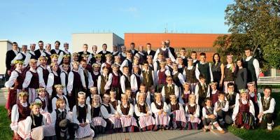 Plungės kultūros centro vaikų ir jaunimo liaudiškų šokių ansamblis Žirginėliai
