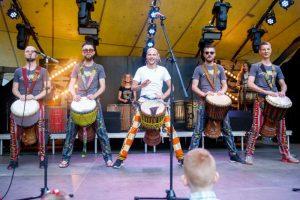 """Perkusijos ir muzikos vakaras su  """"Afrikos bugnai"""" nariais @ Plungės kultūros centras"""